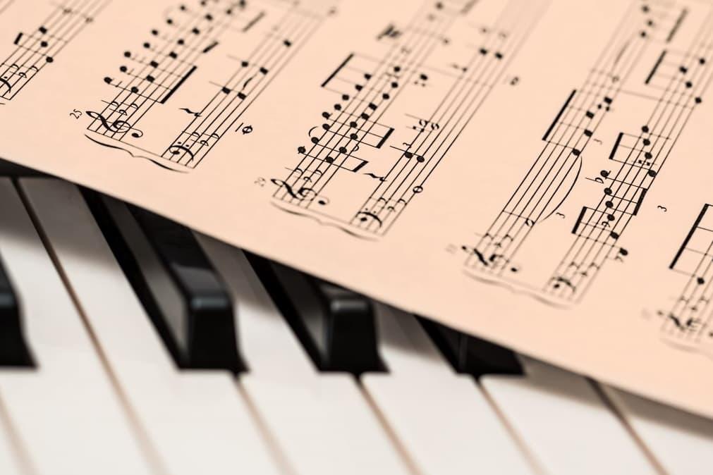 13. Pianist